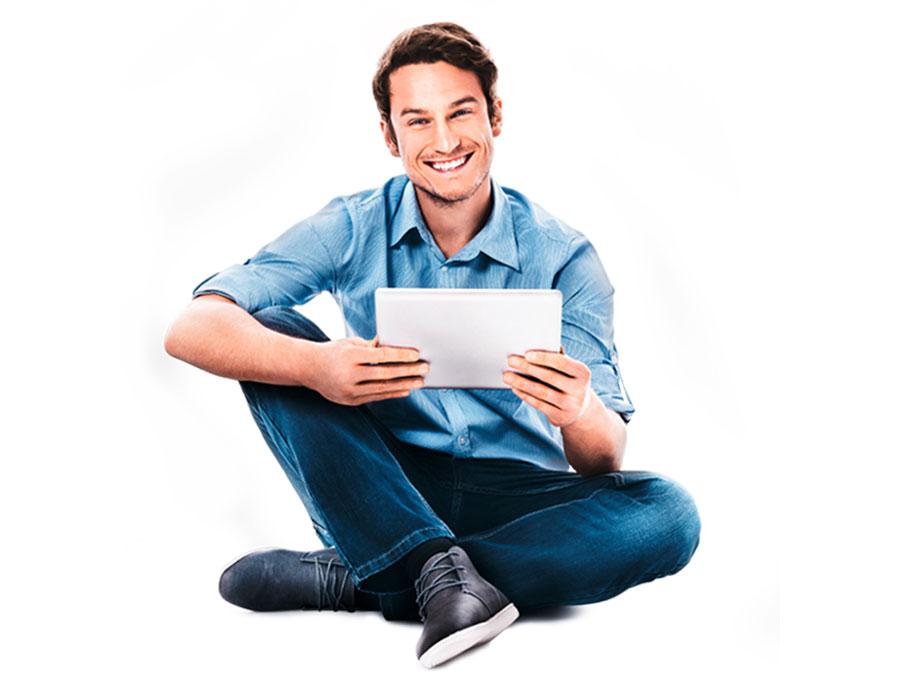 Mann mit Tablet in der Hand